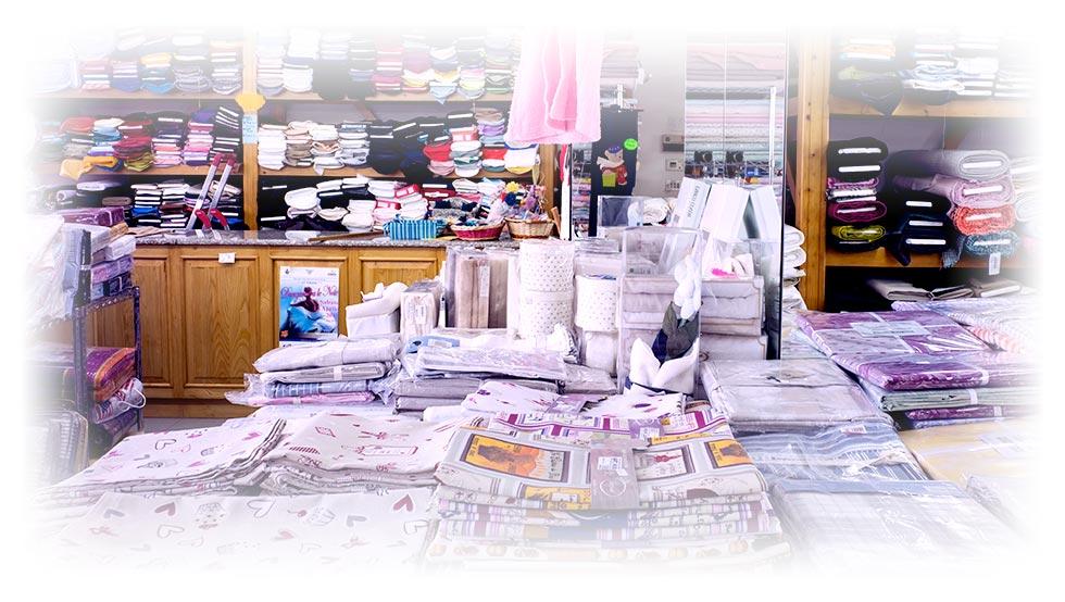Fornitura e vendita tessuti e scampoli a peso padova e for Tessuti per arredamento padova
